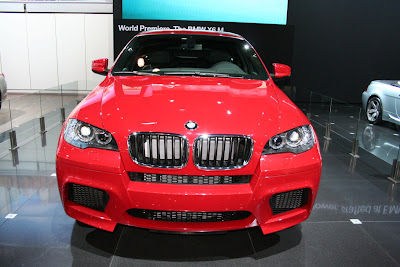BMW X6 M shows up