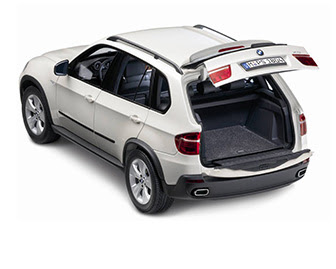 miniature BMW X5 rear
