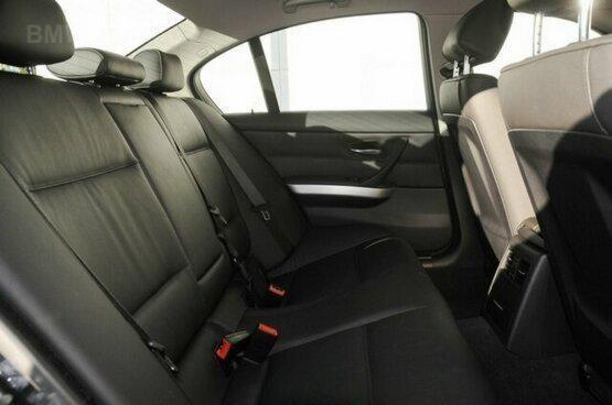 used BMW 320i inside