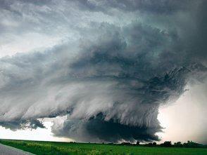 REPUBLICA ARGENTINA Tornado+pozo