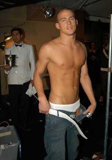 http://2.bp.blogspot.com/_D2xCTq8UMFc/SWnGsAmaVkI/AAAAAAAAAlA/LHSUexpNSSQ/s320/channing_tatum_shirtless.jpg