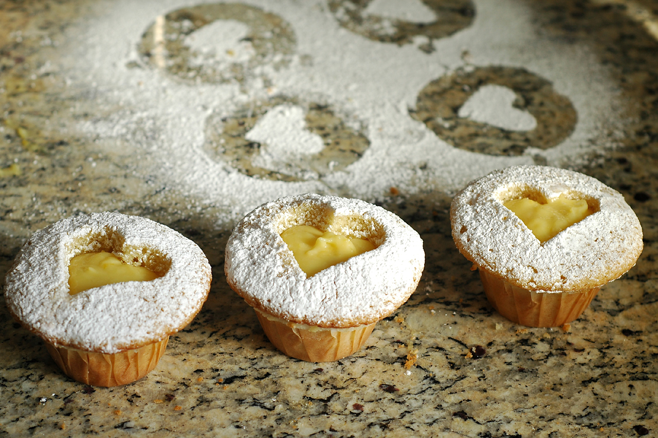Voila! Lemon Curd Linzer Cupcakes for your Valentine! Feel free to ...