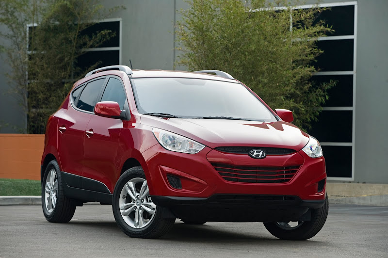 Tucson 24 2011 Hyundai Tucson Gains More Features And New 2.0L Engine Option