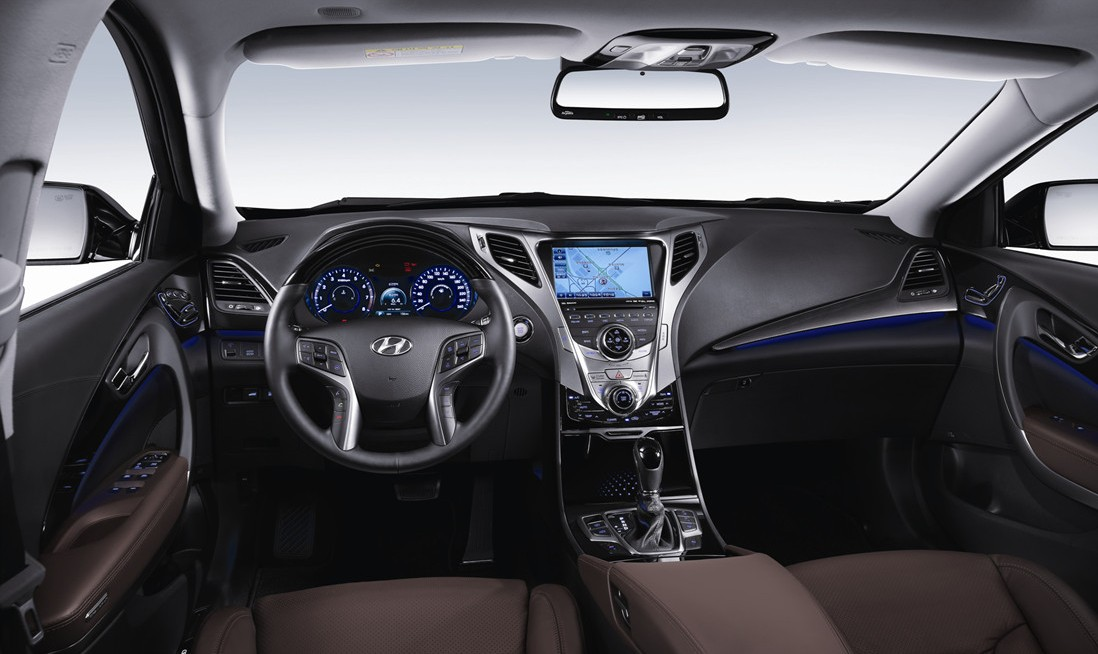 first official interior shot of the all-new 2012 Hyundai Azera/Grandeur.