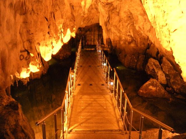 Η Σπηλιά του Δράκου...Καστοριά.