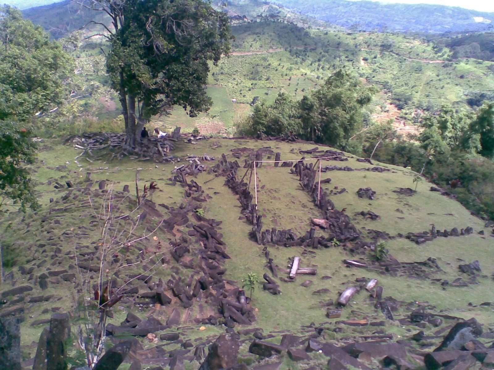 Situs gunung padang kabupaten cianjur