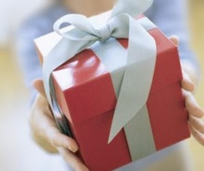 Wedding Gifts From Invited Guests: Are You Required To Give A Wedding ...