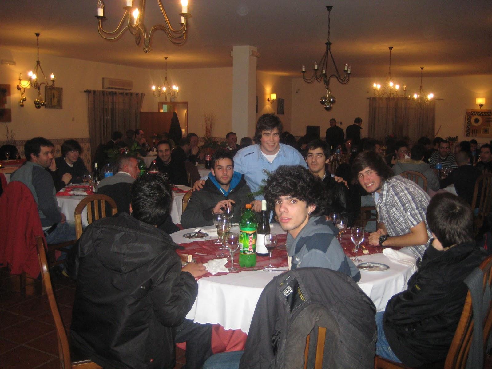 Futsal Júnior Masculino C.D.Aves: Jantar de Natal C.D.Aves Futsal #9F672C 1600x1200
