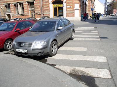 blog, Budapest, Fő utca, gyalogos, I. kerület, parkolás, tilosban, VW, Vásárcsarnok, zebra, átkelő