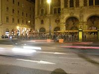 Operabál, ellentüntetés, Attac, 2010, buli, punkok, kommunisták, levesosztás, Budapest, Opera, Balettintézet, tüntetés, utcabál