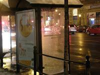 utasbeállók, Budapest, blog, Raiffeisen, Epamedia, Intermédia Kft, City Light, reklám, kosz, szerződésszegés, vandalizmus, street-art, utasbeállók, Budapest, street-art, writers, blog, tag, Raiffeisen, Epamedia, Intermédia Kft, City Light, reklám, kosz, szerződésszegés, teg