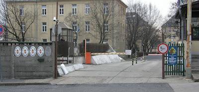 In-Kal, Petőfi laktanya
