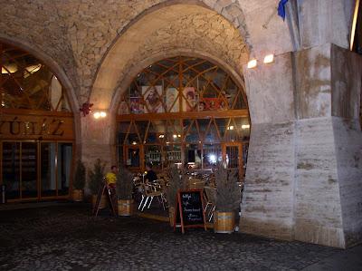 agykontroll,  kávézó,  Budapest, Hattyúház, I. kerület, kocsma, Széna tér