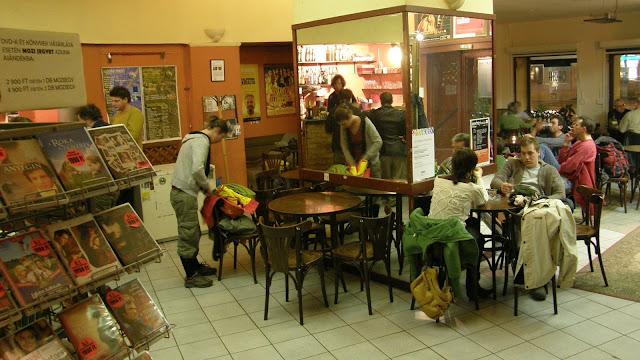 art cafe, Bem mozi, Cafe, DrFlash, flash, kocsma, kávézó, live music, Stiller Nándor, söröző, Margit körút, Budapest, Hungary, Magyarország, Buda, kult