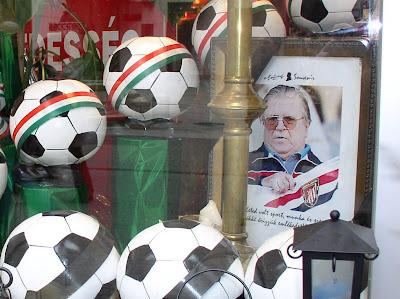 aranycsapat, Puskas Ferenc, 2006,  Váci utca,  Mozart, Budapest,  Hungary,  Magyarország