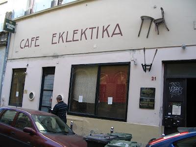gaybar, melegbár, Budapest, gay, Cafe Eklektika, Hungary, leszbikus, Magyarország, melegbár, Semmelweis, Semmelweis utca, V. kerület, Városháza, meleg, lesbian, lesbians