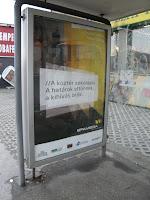 fényreklám, fénytábla, Intermédia Kft, citylight, Budapest, BKV, Epamedia, buszállomás, buszmegálló, fedett pavilon, romok