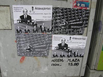 Blaha Lujza tér, Rákoczi út, VIII. kerület, plakát,  politika, Gyurcsány Ferenc, Bajnai Gordon, állásajánlat