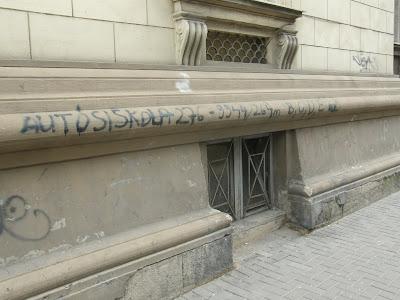 Erzsébetváros, Dohány utca,  VII. kerület, művészet,  autósiskola, autóiskola, graffiti, tag, reklám, Budapest