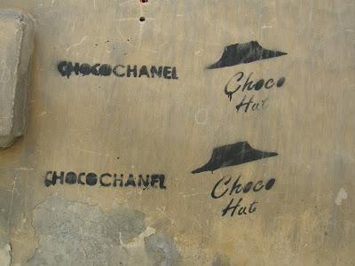 Cluj,  Kolozsvár, Erdély, Cluj,  alaklélektan, Gestalt, Pizza Hut, Coco Chanel, Choco Chanel, Choco Hut, vicc,  humoros,  tréfa
