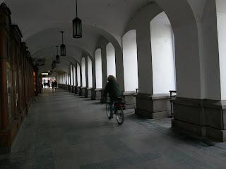 belváros, Budapest, V. kerület, József Attila utca,  street art,  antigraffiti, tag, graffiti,  takarítás