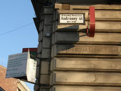 VI. kerület,  Terézváros, Andrássy út, Security 861, biztonsági cég, Eötvös utca, őrző-védő, védelem, őr, protection, belváros, gerillamarketing, Világörökség, World Heritage