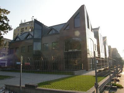 XIV. kerület, Fogarasi út, Iroda, Zugló, Nagyzugló,  Budapest, szocreal, lakótelep, díszudvar