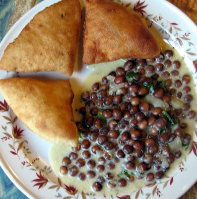 Chachi S Kitchen Bharazi Mbaazi Za Nazi Pigeon Peas In Coconut Sauce