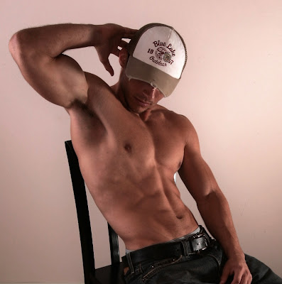 gaydreamblog gay hot stud with cap show six pack