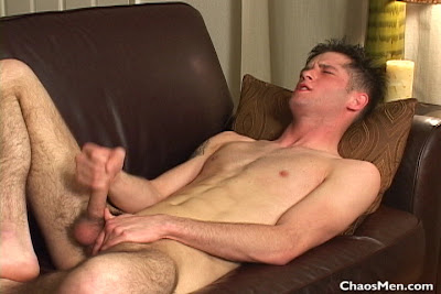 gaydreamblog gay hot sexy hunk guy muscle ryland jerks off his big dick
