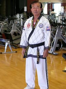 Grand Master Yang 9no Dan - Embajador del Taekwondo en Estados Unidos -Maestro asesor de la escuela