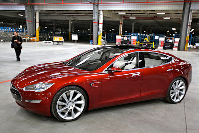 Tesla S Electric Sedan unveiled : Photos & Trailer