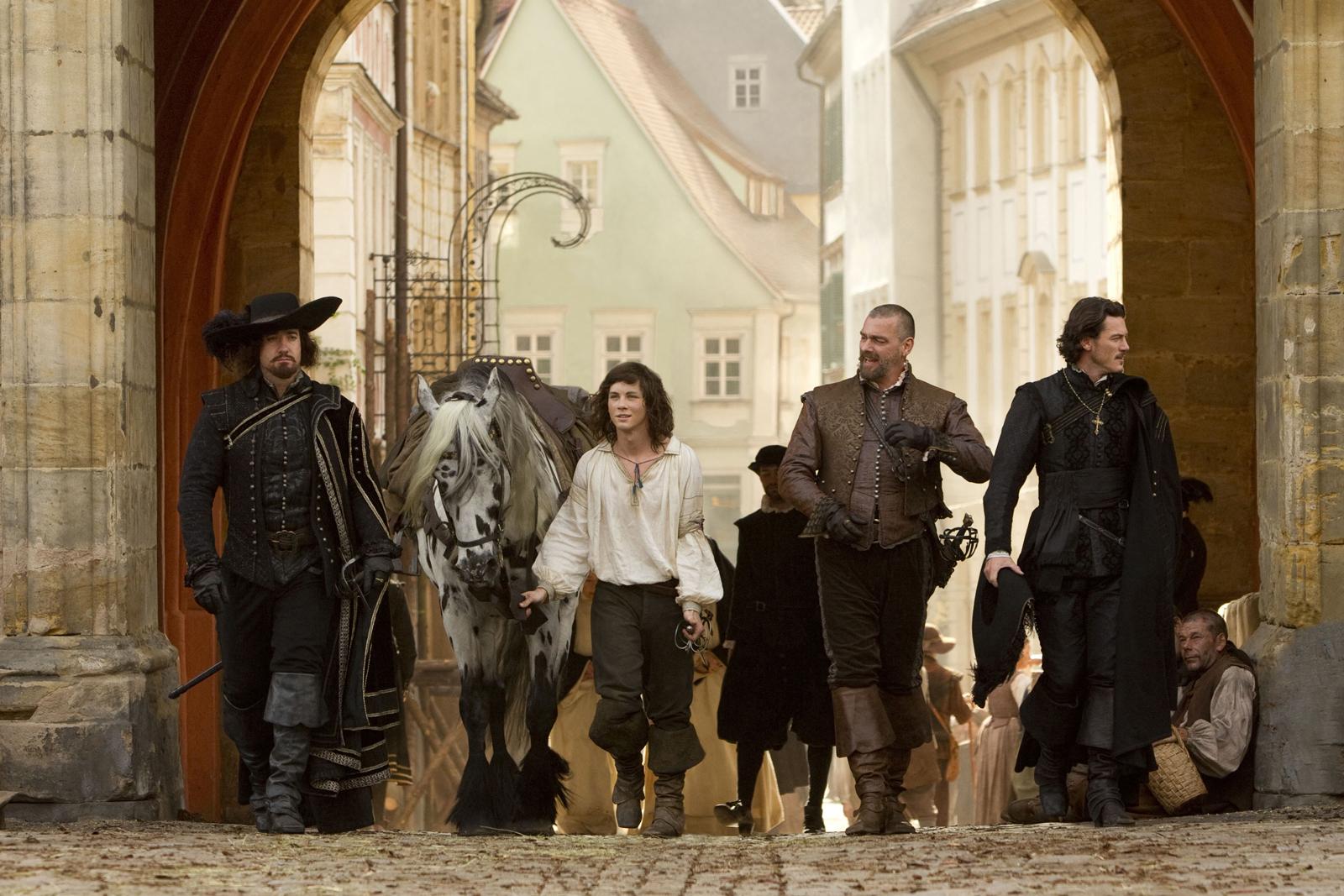 http://2.bp.blogspot.com/_DFNQQlUklEM/TRbARX-wQQI/AAAAAAAAA0A/duHuKnF-bVM/s1600/the_three_musketeers-official-image.jpg