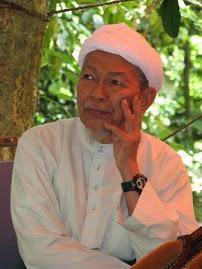 Tuan Guru Dato' Bentara Setia Nik Abdul Aziz Nik Mat