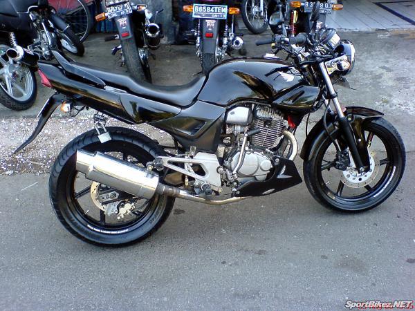 Motorcycle Review s  Honda Tiger 200cc