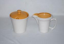 porcelana italiana leitera e açucareiro