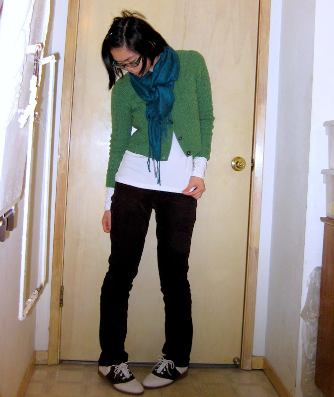cropped green express sweater outfit photo