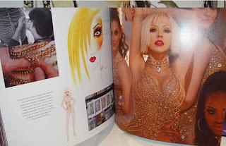 [Tema Oficial] Libro de Burlesque: Cher deja Comentario a Xtina! + Pics del libro!!! - Página 2 Burlesque+Book11