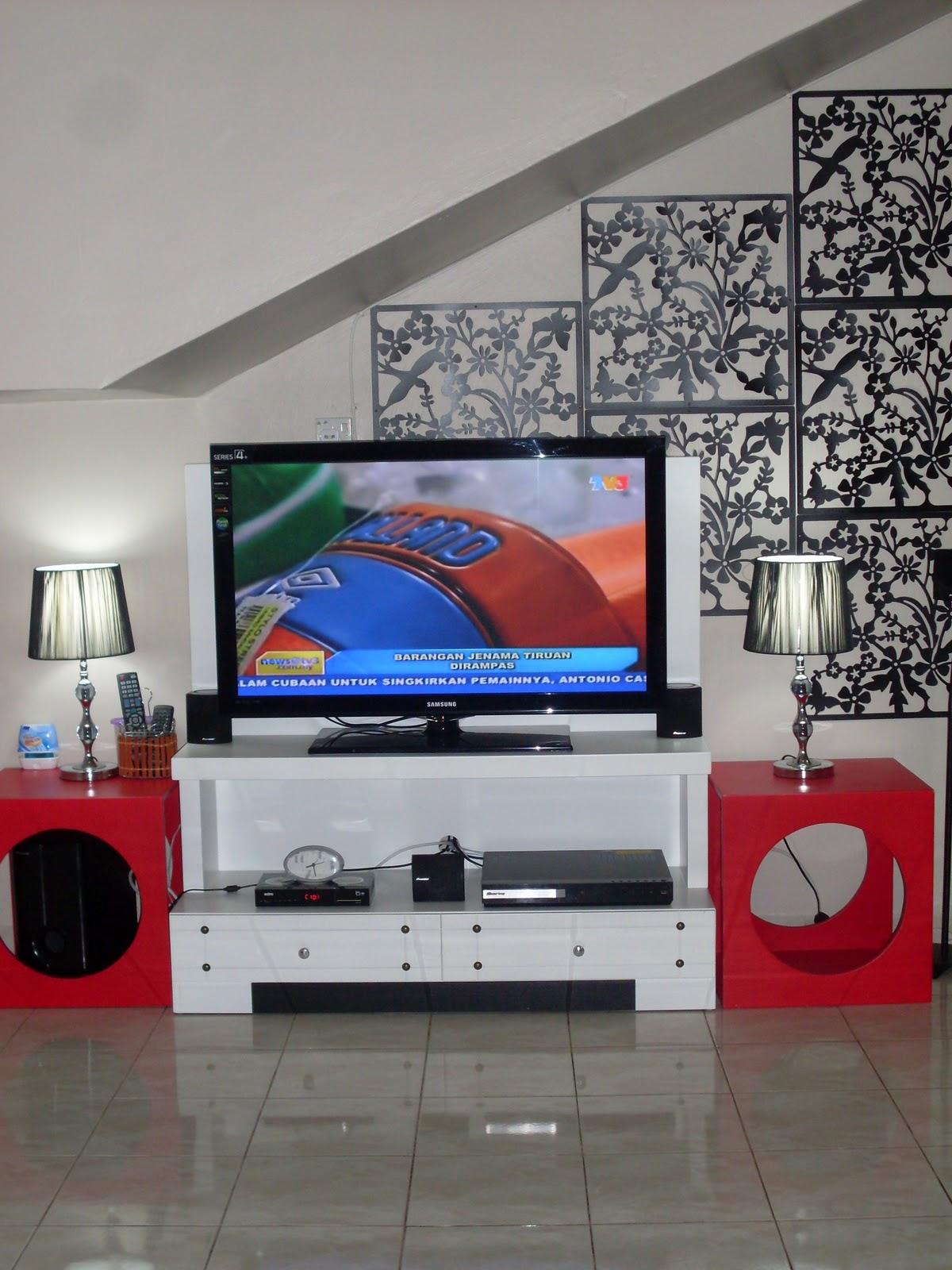 Here i am aku dan home decor living room for Ssf home designs