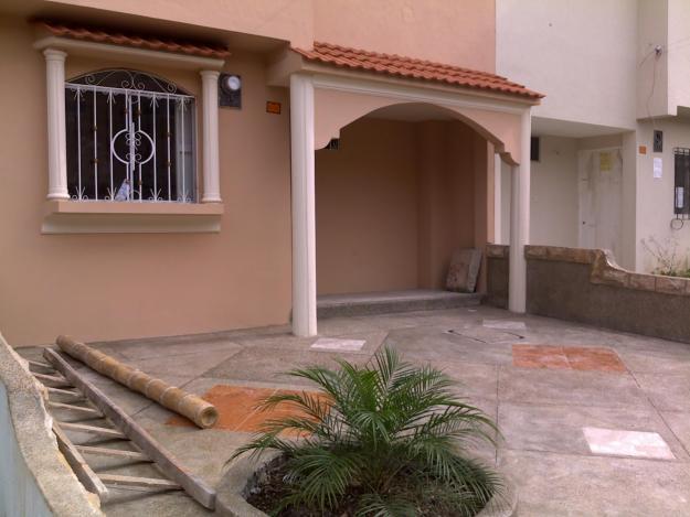Planes de casa en guayaquil for Urbanizacion mucho lote 2 villa modelo