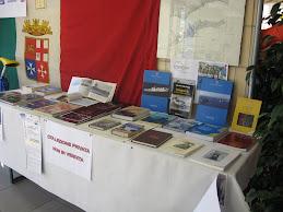 Palafiori..2009.. i marinai d'Italia e i loro libri con unicef e siciliani!