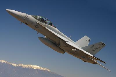 Sugestão: F/A-18E/F Super Hornet a letal vespa norte-americana