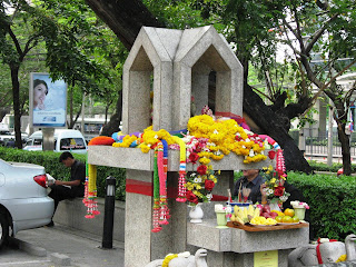 Roadside temple in Bangkok