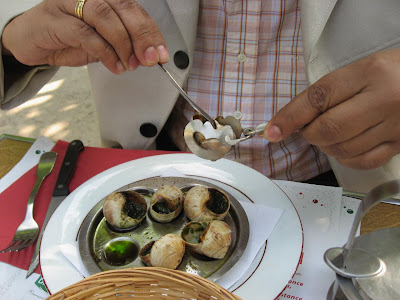 Eating Escargots