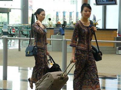 Singapore Girls!