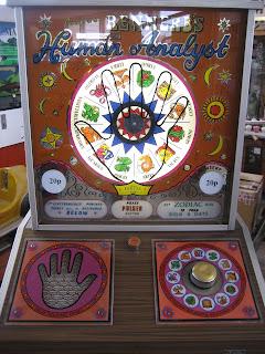 teignmouth pier arcade