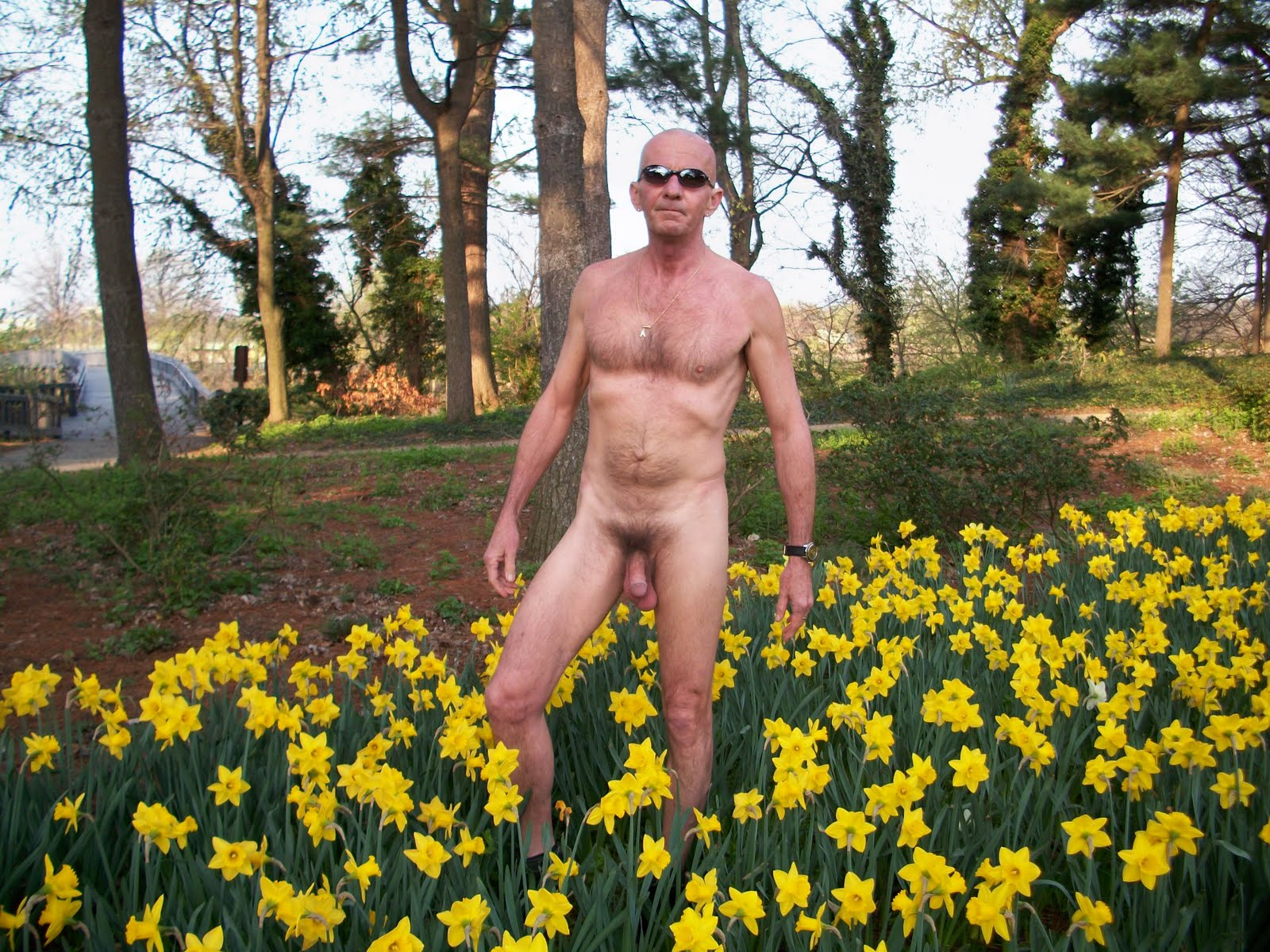 World Nude Gardening Day: