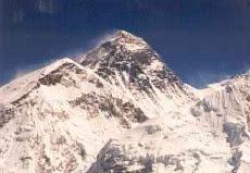 How many dead bodies are up on Mount Everest?