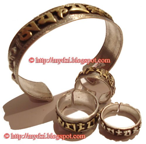 Buddhist Om Mani Padme hum Ring and Bangle