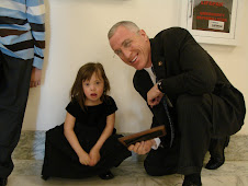 Chloe Meets Congressman Tim Murphy at the US Capitol
